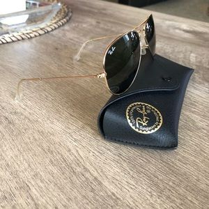 Ray-Ban Large Aviator Sunglasses 😎